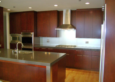 Contemporary Kitchen by Romar