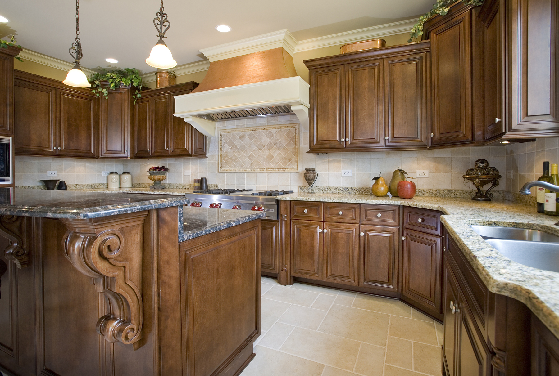 Custom Kitchens & Cabinets